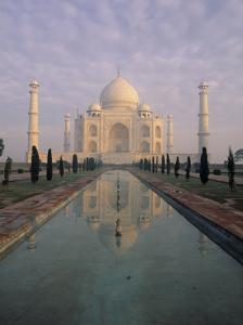 Taj Mahal, Agra, India by Jon Arnold