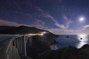 Bixby Bridge by Moon Light. by Jon Hicks