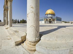Dome of the Rock on Temple Mount by Jon Hicks