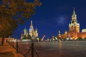 Red Square at Night. by Jon Hicks