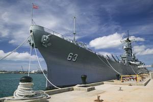 The Battleship Missouri Memorial by Jon Hicks