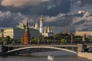 The Kremlin and Moscow River. by Jon Hicks