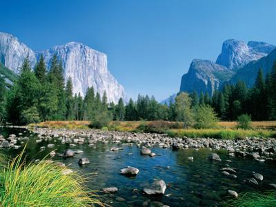 El Capitan and the Yosemite Valley