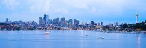 Lake Union and Skyline, Seattle, Washington, USA by Jose Luis Stephens