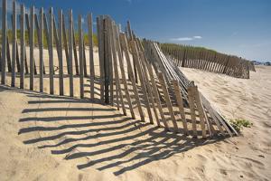 Amagansett Beach Fence by Joseph O. Holmes / portfolio.streetnine.com