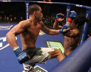 WEC 53: Dec 16, 2010 - Ben Henderson vs Anthony Pettis by Josh Hedges