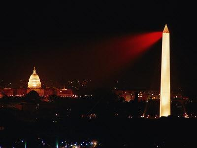 Highly Concentrated Laser Light Flashes Across the Potomac from the Top of the Washington Monument