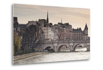 Pont Neuf and the Ile De La Cite in Paris, France, Europe