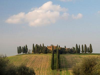 Europe, Italy, Tuscany. Tuscan Villa Near the Town of Pienza by Julie Eggers
