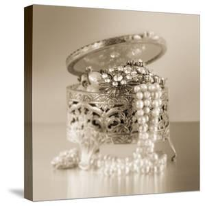 Vintage Glamour Jewelry Box by Julie Greenwood