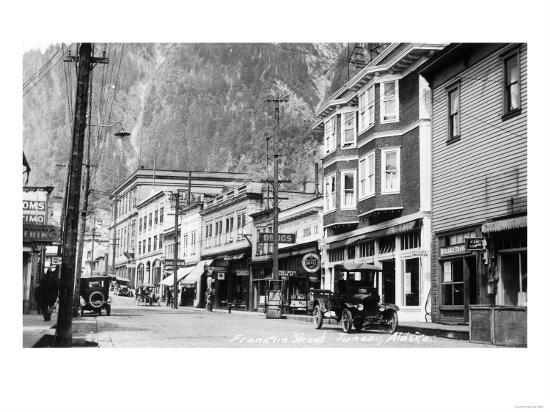Juneau, Alaska - View of Franklin Street-Lantern Press-Art Print