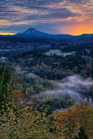 https://imgc.artprintimages.com/img/print/just-before-sunrise-from-jonsrud-view-sandy-oregon-portland_u-l-q10di630.jpg?p=0