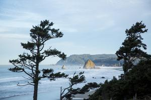 Cannon Beach, OR by Justin Bailie