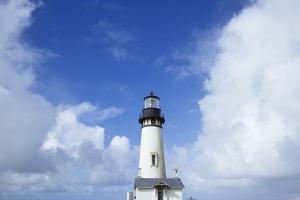 Yaquina Head Lighthouse, Oregon Coast by Justin Bailie