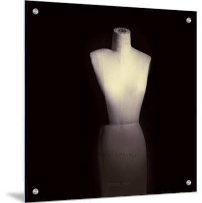 Classic Unadorned Female Dress Form Used by Fashion Designers