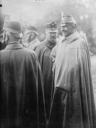 https://imgc.artprintimages.com/img/print/kaiser-wilhelm-with-his-troops-1914-18_u-l-q1by75e0.jpg?p=0