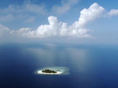 Kandholhudu Island, Ari Atoll, Alifu, Maldives-Felix Hug-Photographic Print