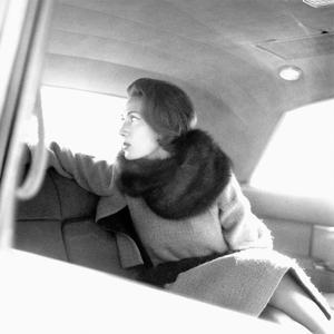 Vogue - January 1961 by Karen Radkai