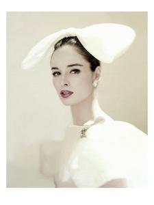 Vogue - July 1960 by Karen Radkai