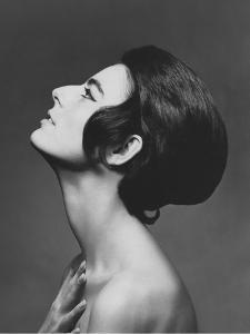 Vogue - June 1966 by Karen Radkai