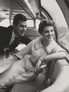Vogue - March 1954 by Karen Radkai