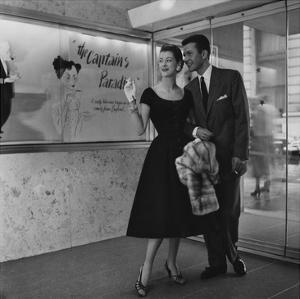 Vogue - May 1954 by Karen Radkai