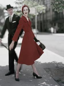 Vogue - October 1957 by Karen Radkai