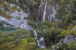 Waterfall (Kroat. Veliki Slap), Plitvice Lakes NP (Croatian: Nacionalni Park Plitvi?ka Jezera) by Karine Aigner