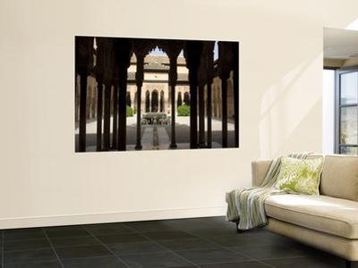 Patio De Los Leones (Palacios Nazaries in Nasrid Palace, Alhambra