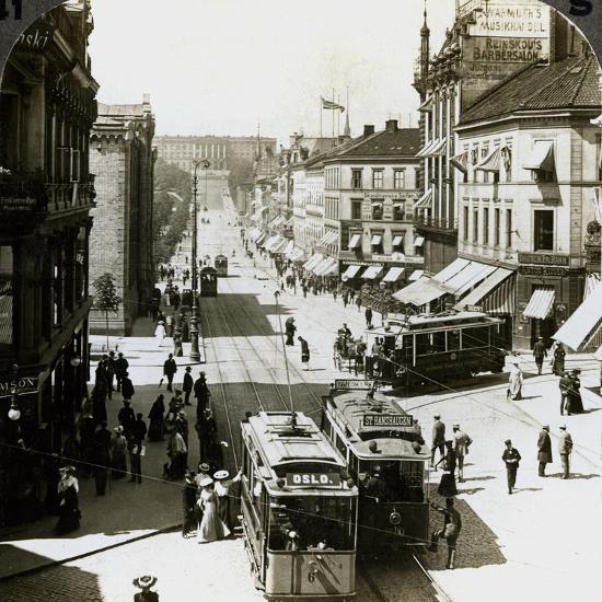 Karl Johan's Street and Royal Palace, Christiania (Osl), Norway-Underwood & Underwood-Photographic Print