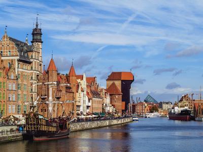Ships on the Motlawa River, Old Town, Gdansk, Pomeranian Voivodeship, Poland, Europe