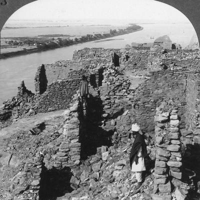 https://imgc.artprintimages.com/img/print/kasr-qas-ibrim-and-a-view-down-the-nile-in-nubia-egypt-1905_u-l-q10lxq50.jpg?p=0