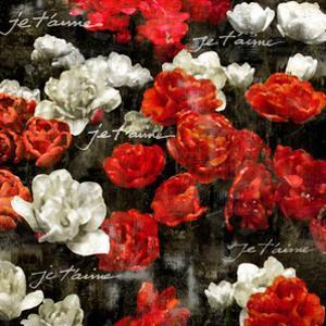 Je Taime Roses by Kate Bennett