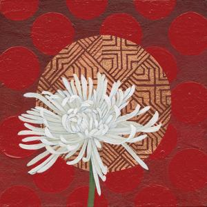 Morning Chrysanthemum IV by Kathrine Lovell