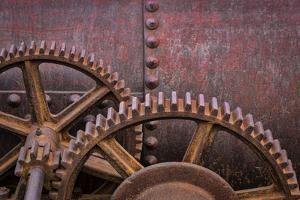 Rusty Gears II by Kathy Mahan