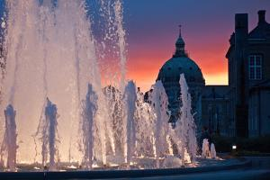 Late evening at the Amalie Garden in the center of Copenhagen. by Keenpress