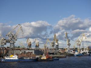St. Petersburg Commercial Harbor by Keenpress