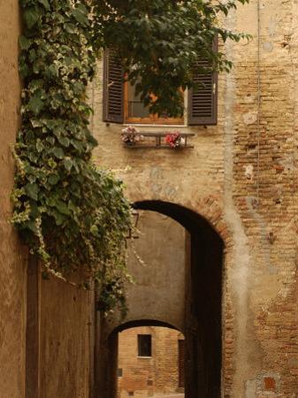 San Gimignano, Tuscany, Italy by Keith Levit