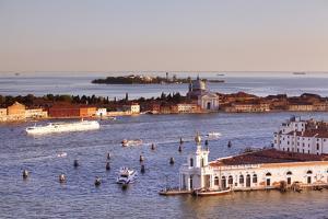 Italy, Veneto, Venice. by Ken Scicluna