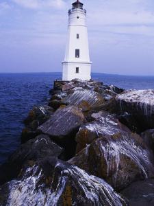Ashland Breakwater Lighthouse, WI by Ken Wardius