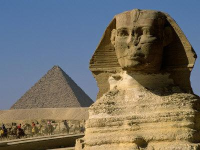 The Sphinx with 4th Dynasty Pharaoh Menkaure's Pyramid, Giza, Egypt