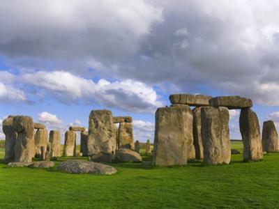 Stonehenge by Keren Su