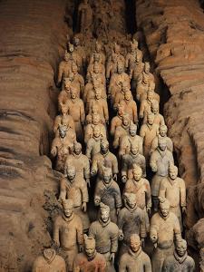 Terracotta Warrior Statues in Qin Shi Huangdi Tomb by Keren Su