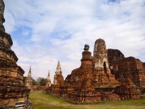 Wat Chaiwatthanaram, Ayutthaya Historical Park, Thailand by Keren Su
