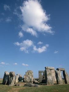 Menhirs at Stonehenge by Kevin Schafer