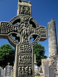 Muiredach's High Cross by Kevin Schafer