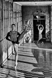 A Ballerina Dances Wearing Pre-Columbian Gold Jewelry Replicas by Kike Calvo