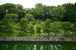 Inner Walls and Moat of the Nijo Castle in the Ninomaru Palace by Kike Calvo