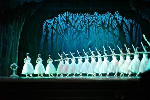 The Cuban National Ballet Performs Swan Lake by Kike Calvo