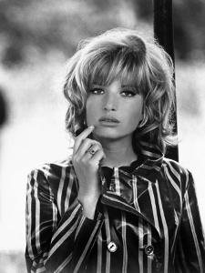 Kill Me Quick, I'm Cold, Monica Vitti, 1967